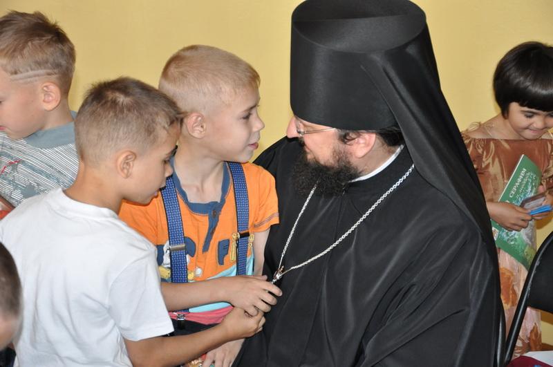 Епископ Роман (Лукин) посетил детский дом